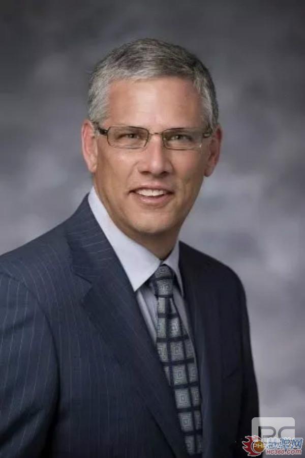 美国PPG公司董事会主席兼首席执行官迈克尔·麦格雷